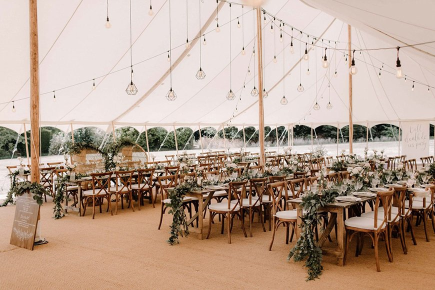 17 Ways To Have a Festival Wedding Theme - Light it up | CHWV