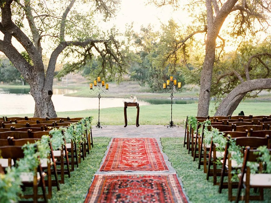 Must-See Outdoor Wedding Ideas - Wedding aisle rugs | CHWV