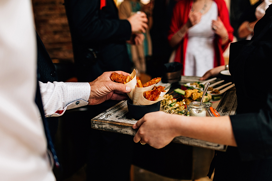 13 Ways To Have a Relaxed Wedding Day - Dig-in dinners | CHWV