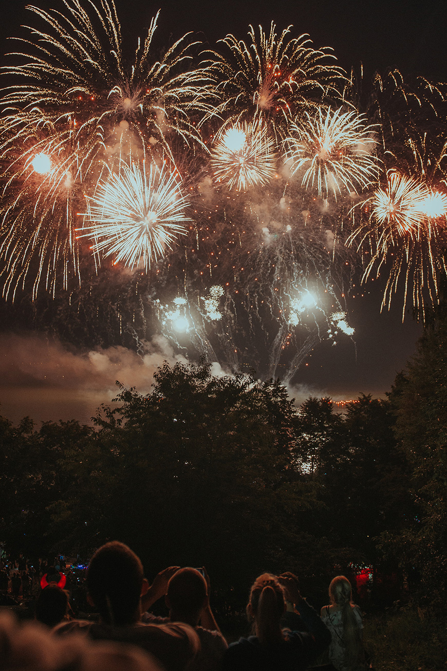Colourful Wedding Ideas To Fall In Love With - Fireworks | CHWV