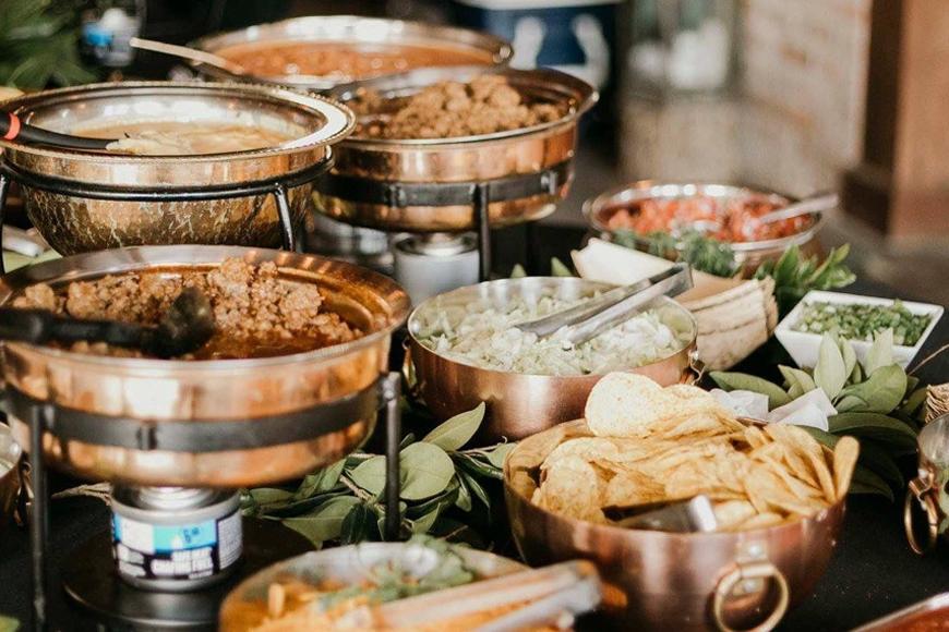 Exciting Evening Wedding Food Ideas - Nachos Bar | CHWV