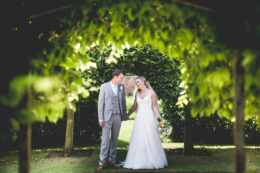 A Guide To Sustainable Weddings - Face the future   CHWV