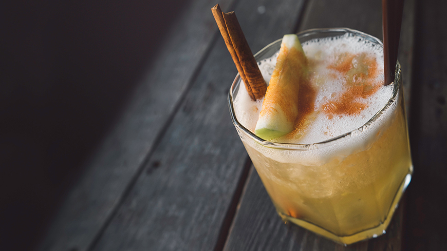 The Best Winter Wedding Drinks - Sprinkle the spice | CHWV