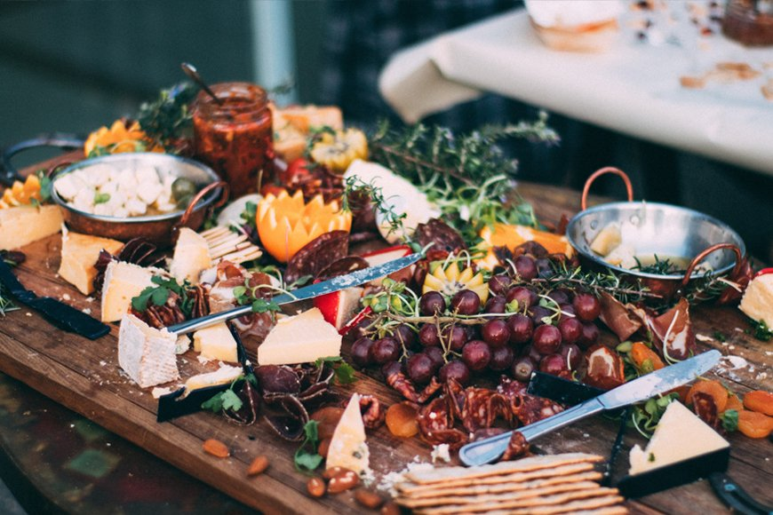 Exciting Evening Wedding Food Ideas - Cheese | CHWV