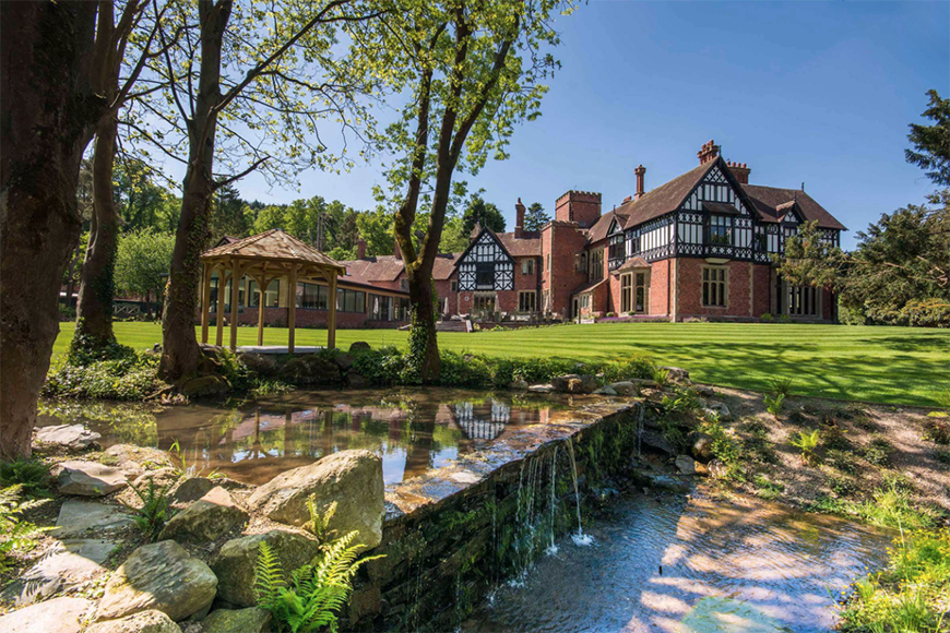 14 Unmissable Manor House Wedding Venues - Tyn Dwr Hall | CHWV