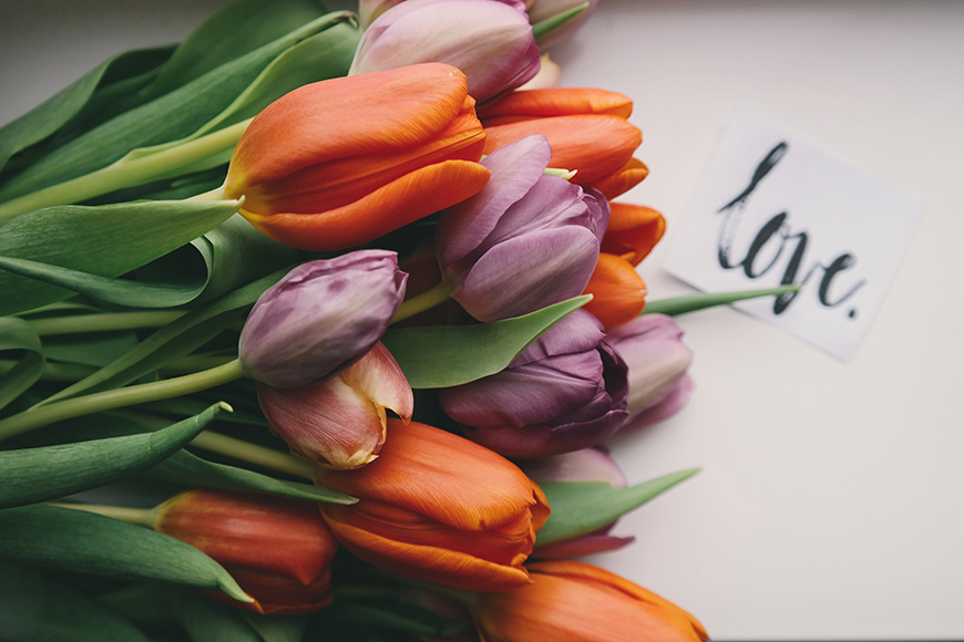 The Best Spring Wedding Ideas - Choose tulips | CHWV