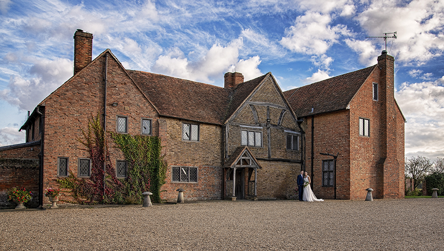 14 Unmissable Manor House Wedding Venues - Lillibrooke Manor and Barns | CHWV