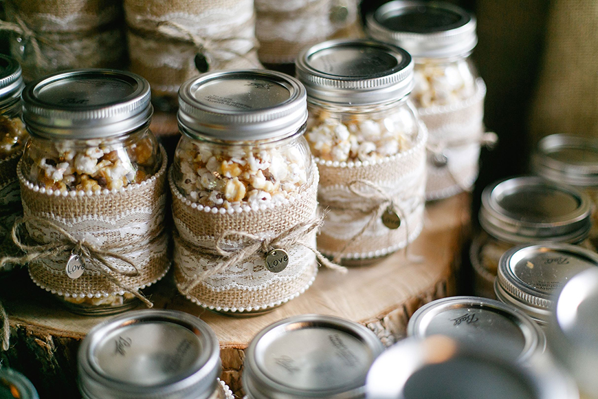 Creating an Amazing Autumnal Wedding Theme - Fun favours | CHWV
