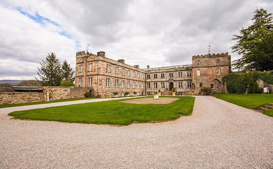 7 Castle Wedding Venues That Are Amazing In Autumn - Appleby Castle | CHWV