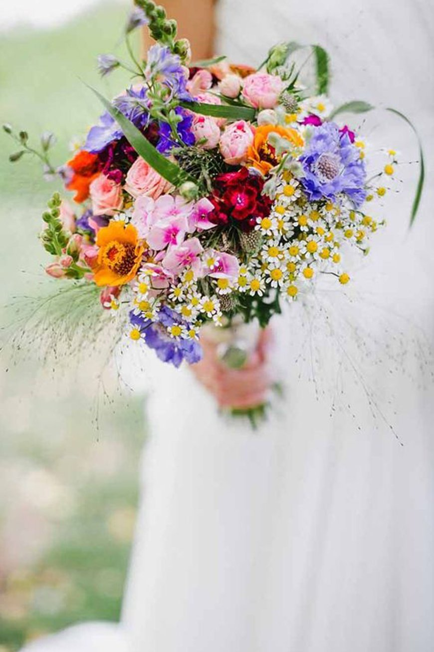 Bright wedding flowers wedding ideas by colour chwv wedding ideas by colour bright wedding flowers beautiful bouquets chwv junglespirit Image collections