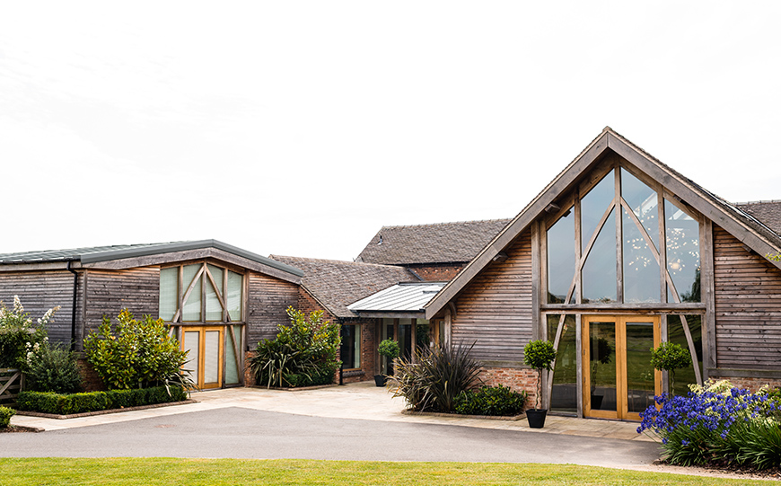 6 Unmissable Wedding Venues In Leicestershire - Mythe Barn | CHWV