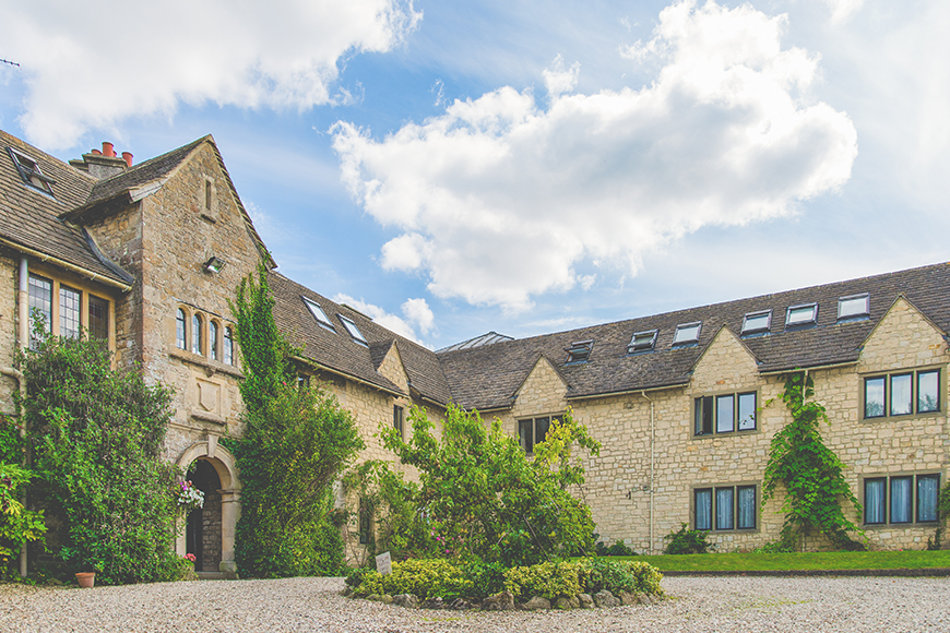 9 Unmissable Cotswolds Wedding Venues - The Pear Tree   CHWV
