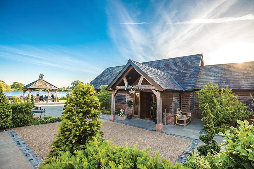 8 Charming Cheshire Wedding Venues - Sandhole Oak Barn | CHWV