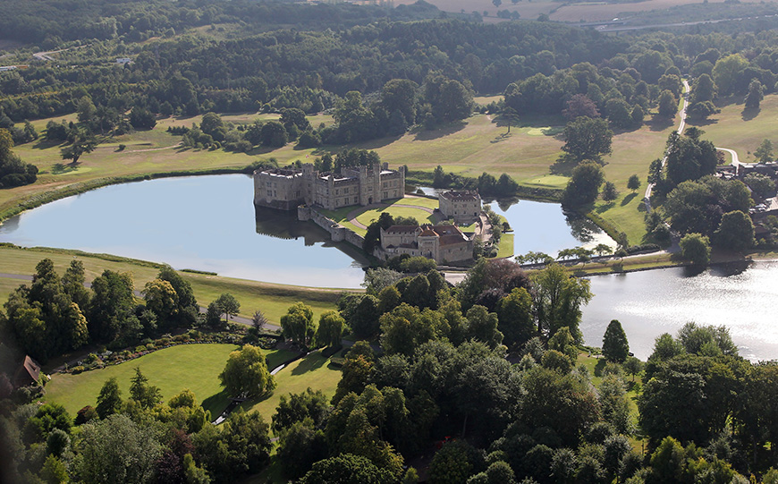7 Castle Wedding Venues That Are Amazing In Autumn - Leeds Castle | CHWV