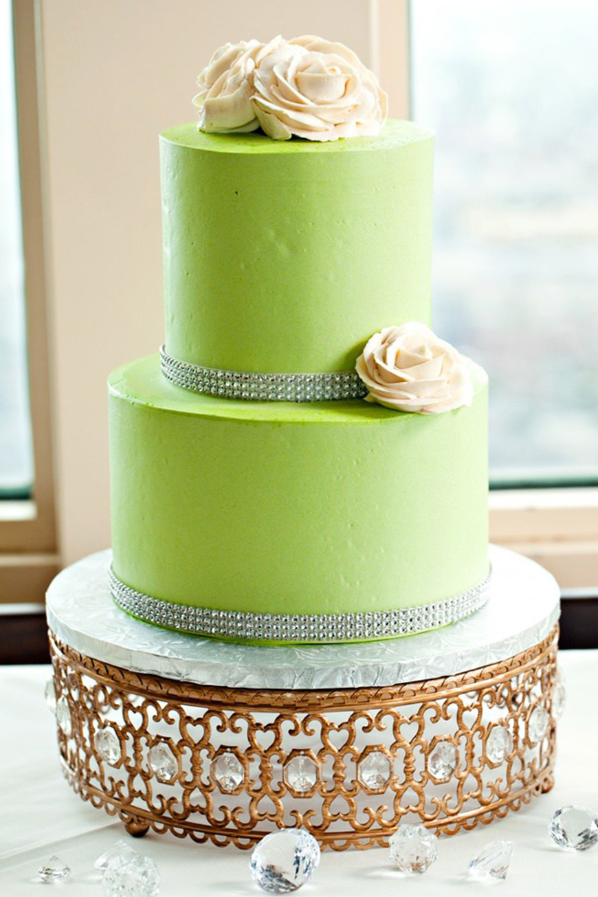 Wedding Ideas By Pantone Colour: Lime Punch - Cake | CHWV