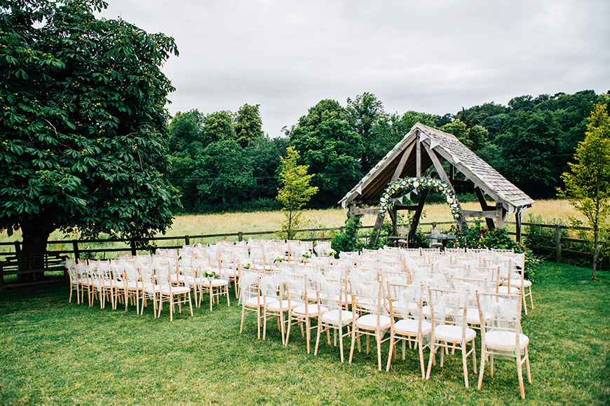 12 Outside Wedding Venues To Fall In Love With - Hyde House Barn   CHWV