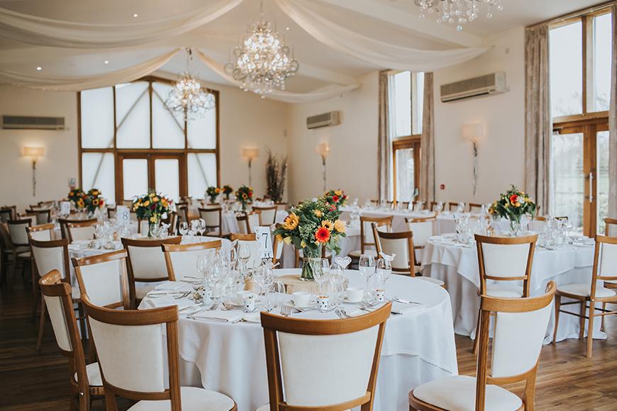 16 Unmissable Wedding Venue Offers - Mythe Barn | CHWV