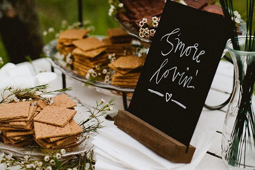 Exciting Evening Wedding Food Ideas - S'mores | CHWV
