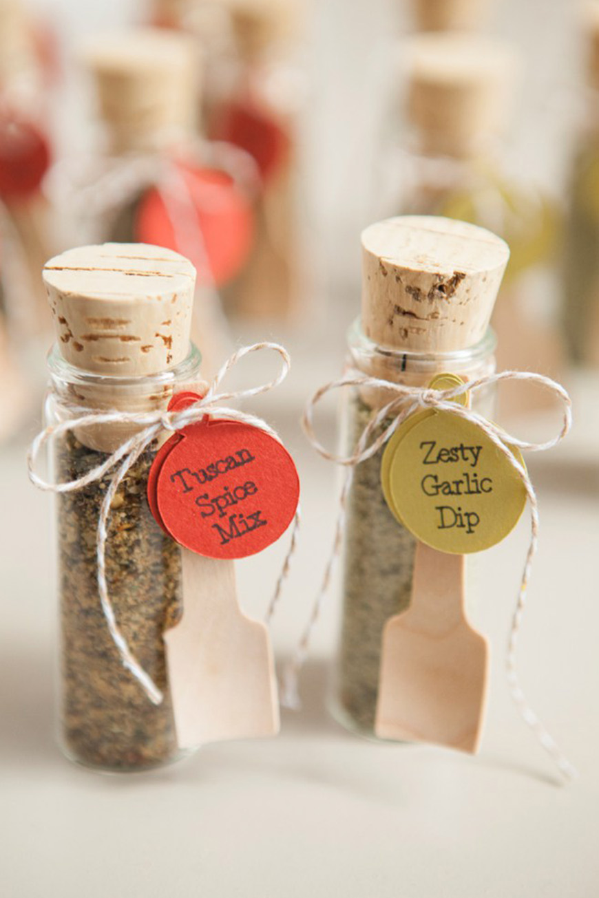 Warming Autumn Wedding Favours To Wow Your Guests - Savoury snacks | CHWV