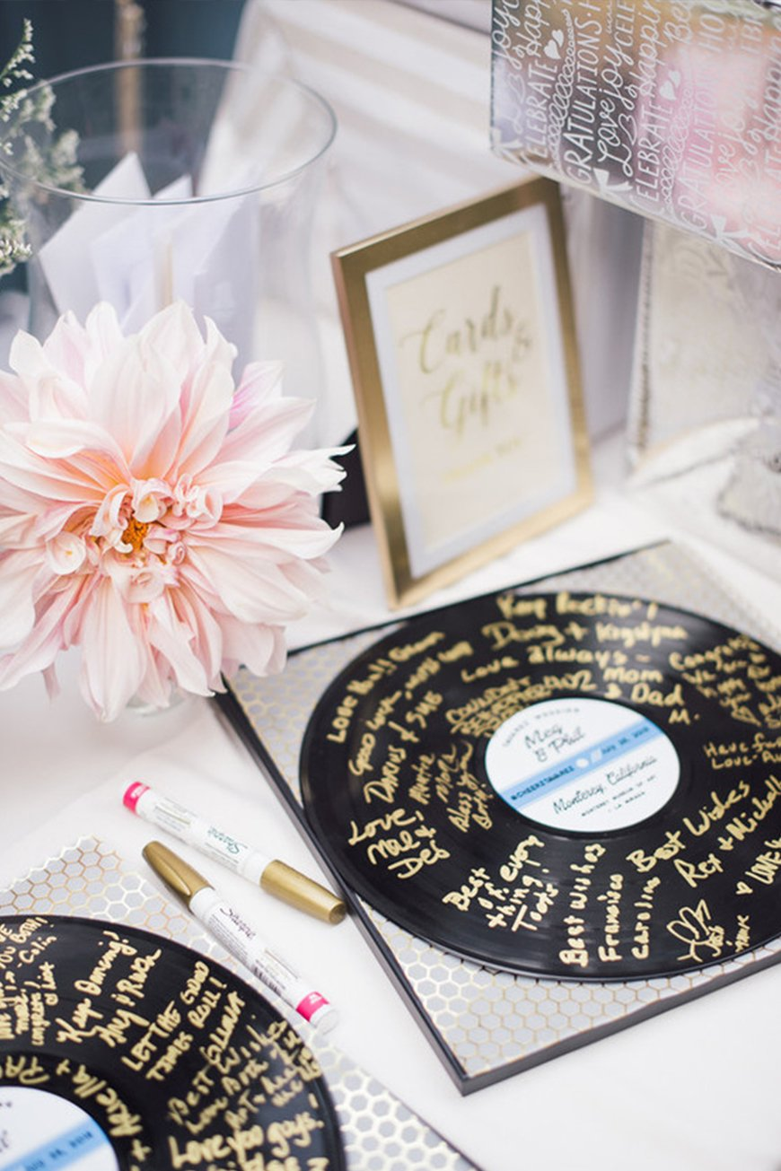 Must-See Quirky Wedding Guest Books | CHWV