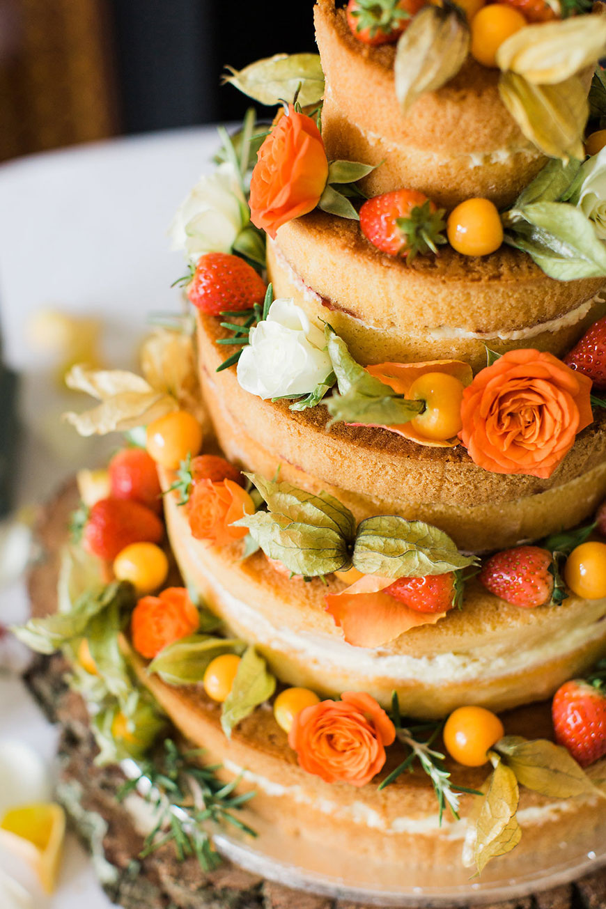 Wedding ideas by colour: Autumnal wedding cakes | CHWV