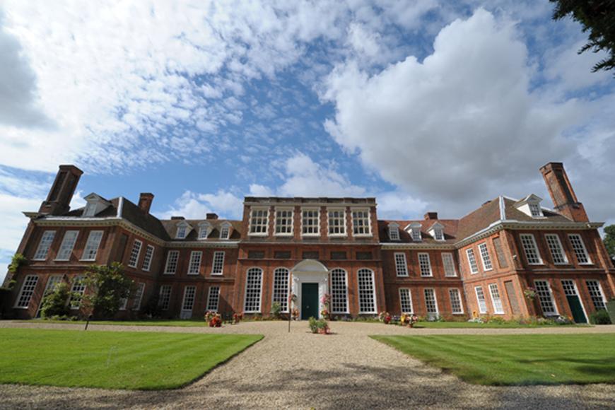 8 Incredible Essex Wedding Venues - Gosfield Hall | CHWV