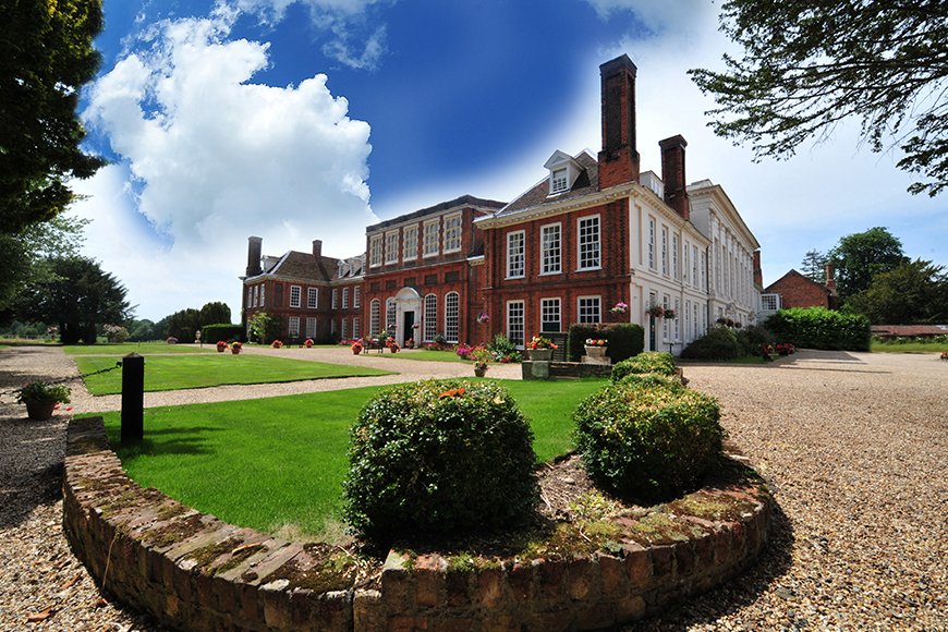 The Best Cambridgeshire Wedding Venues - Gosfield Hall | CHWV
