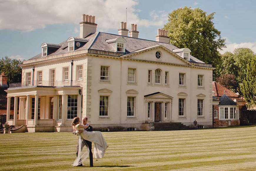 7 Wonderful Wiltshire Wedding Venues - Rockley Manor | CHWV