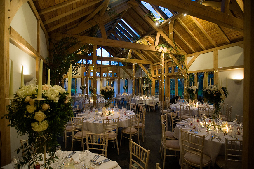 11 Barn Wedding Venues For An Autumn Wedding - The Oak Tree of Peover | CHWV