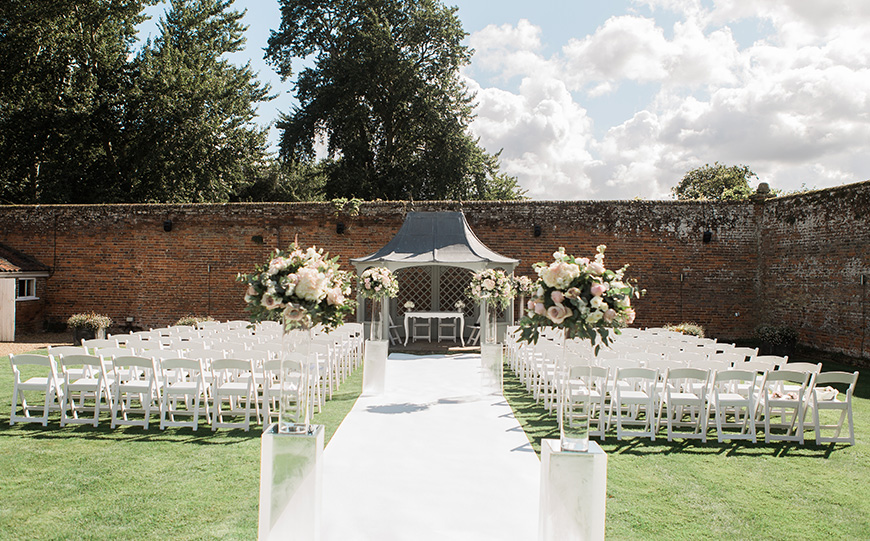 11 All-In-One Wedding Venues For The Perfect Day - Braxted Park | CHWV
