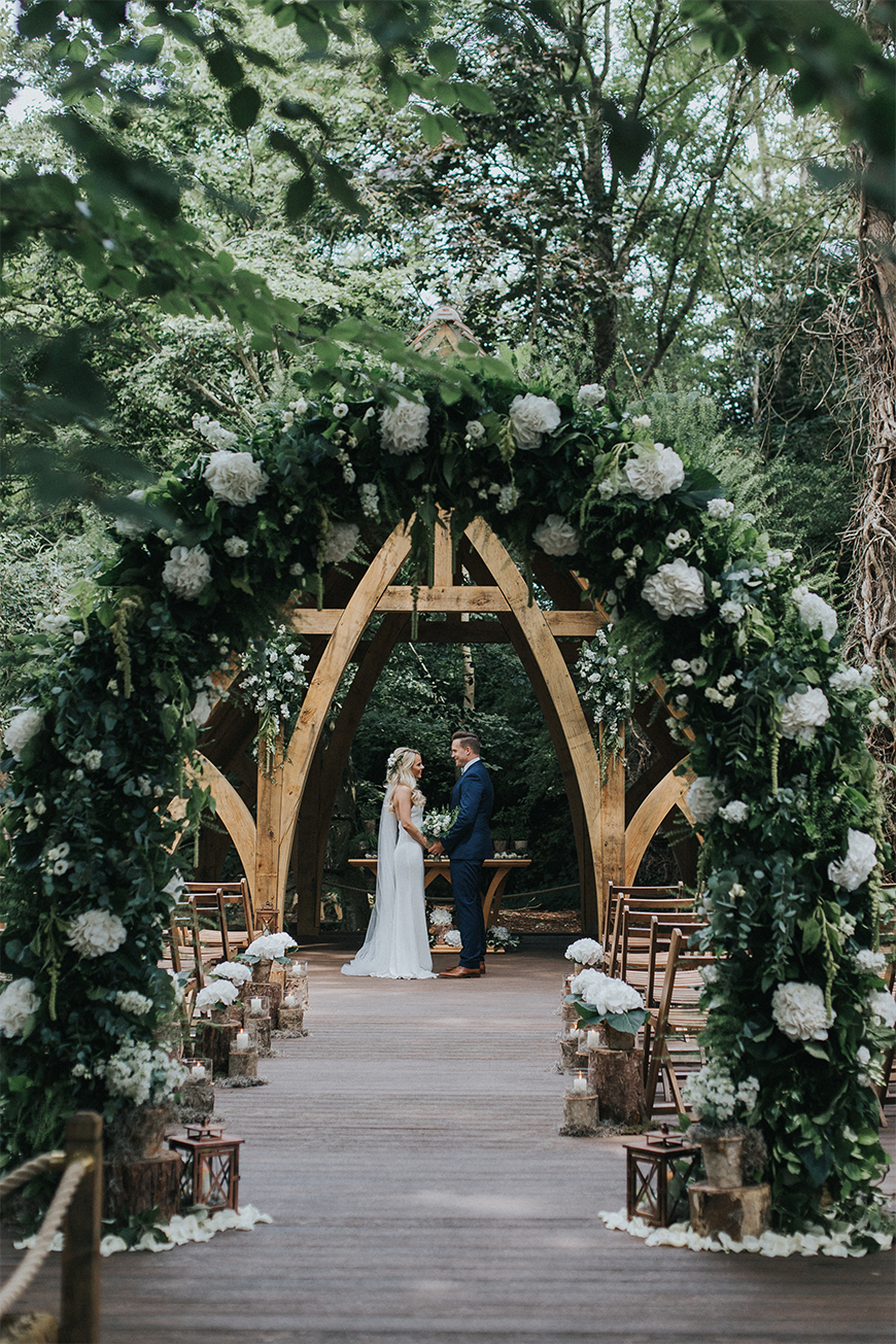 Must-See Outdoor Wedding Ideas - Rivervale Barn | CHWV