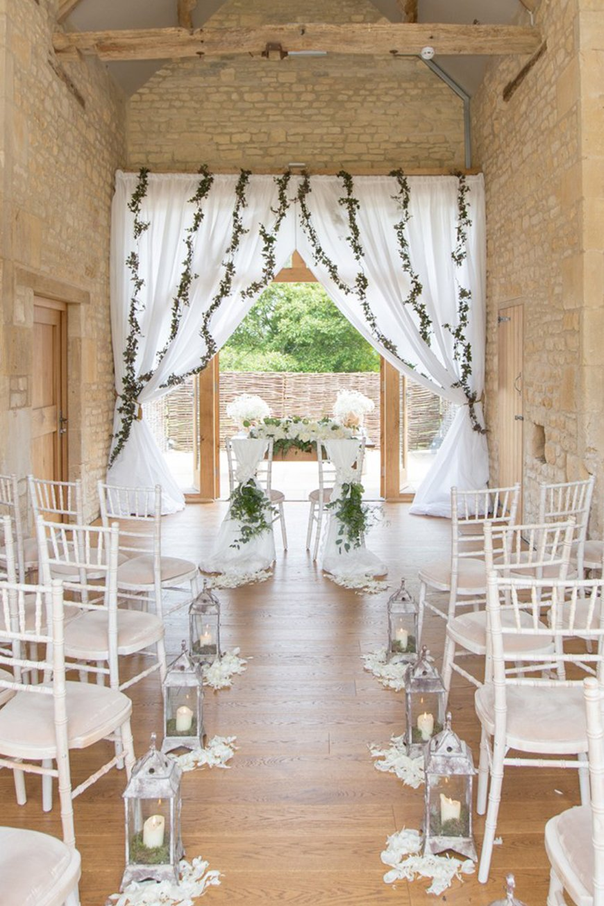 8 Intimate Wedding Venues To Fall In Love With - The Barn at Upcote | CHWV