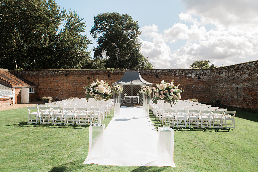 16 Unmissable Wedding Venue Offers - Braxted Park | CHWV