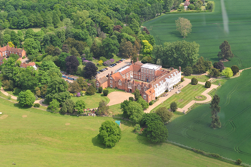 9 Must-See Essex Wedding Venues - Gosfield Hall | CHWV