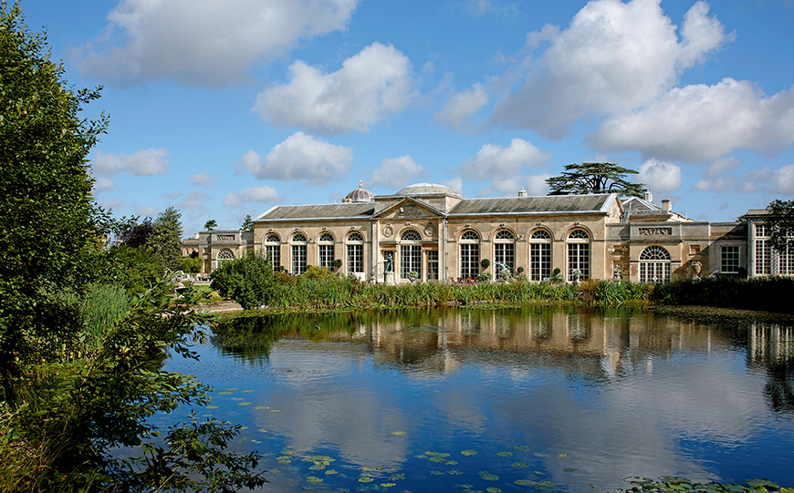 Incredible Last-Minute Wedding Venues That Could Save You A Fortune - Woburn Abbey | CHWV