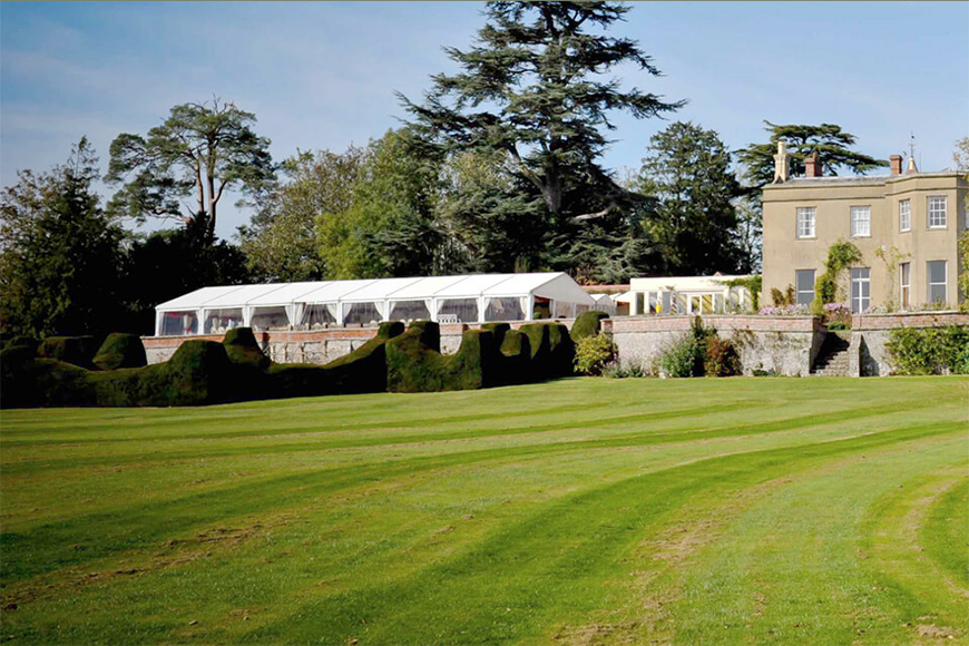 14 Unmissable Manor House Wedding Venues - Burton Court | CHWV