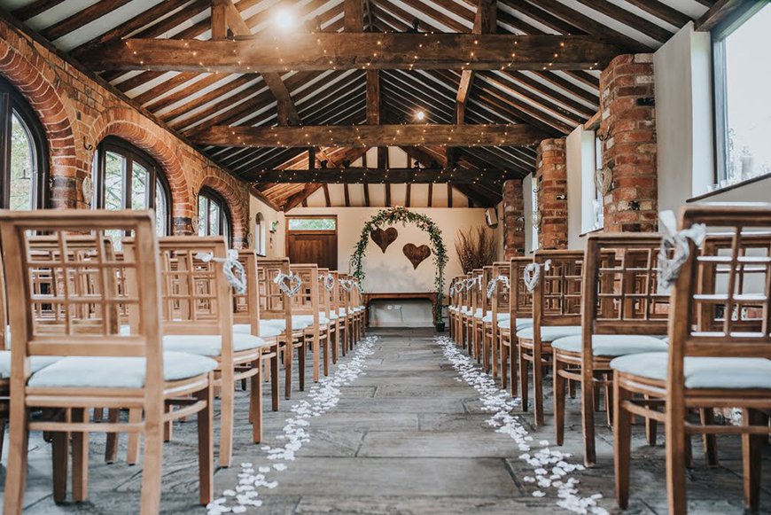 9 Amazing All-In-One Wedding Venues - Dodmoor House   CHWV