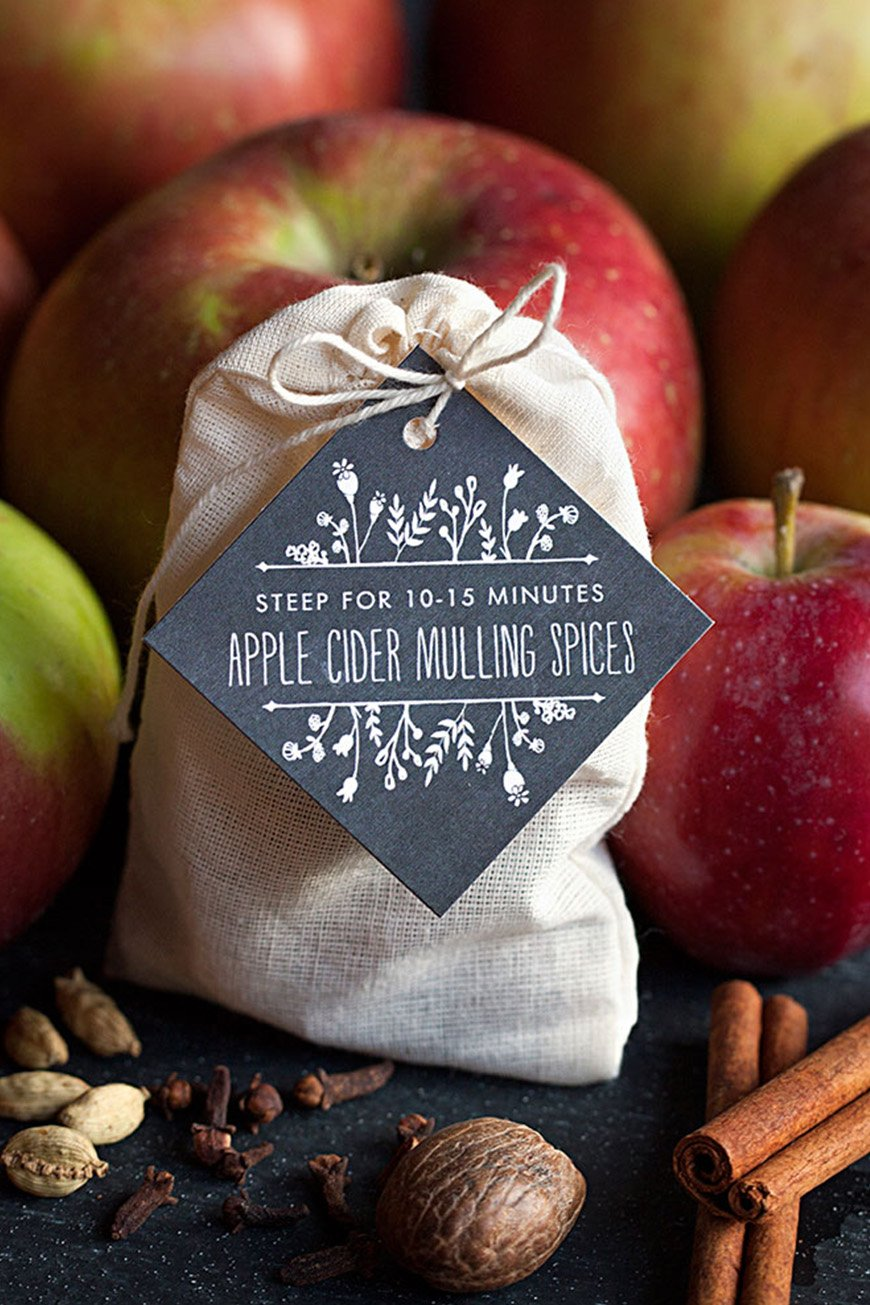 Warming Autumn Wedding Favours To Wow Your Guests - Autumnal drinks | CHWV