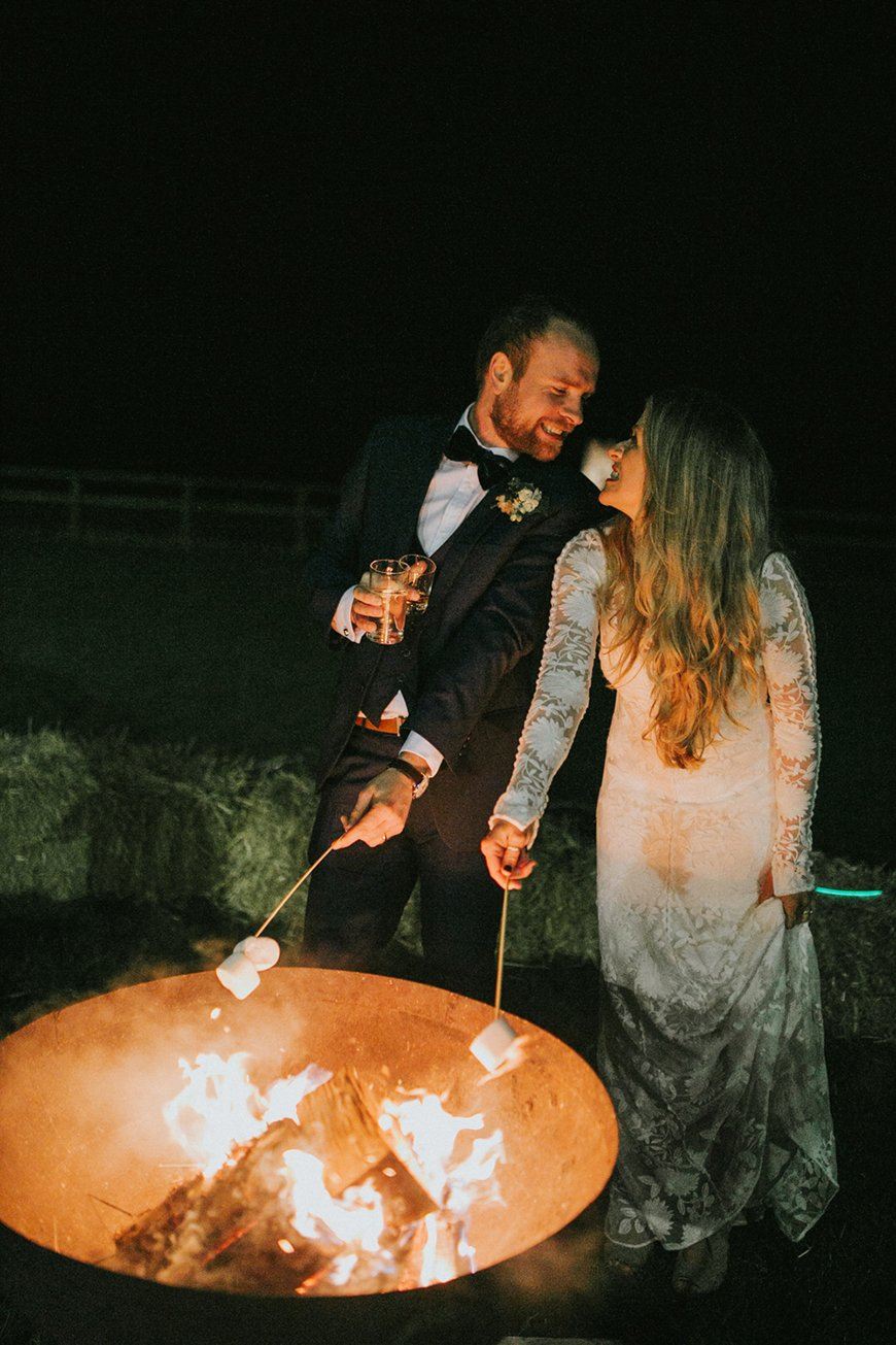 17 Ways To Have a Festival Wedding Theme - Bonfire beauty | CHWV