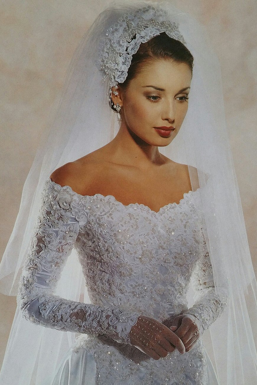 Wedding Style Through The Decades - 1990s | CHWV