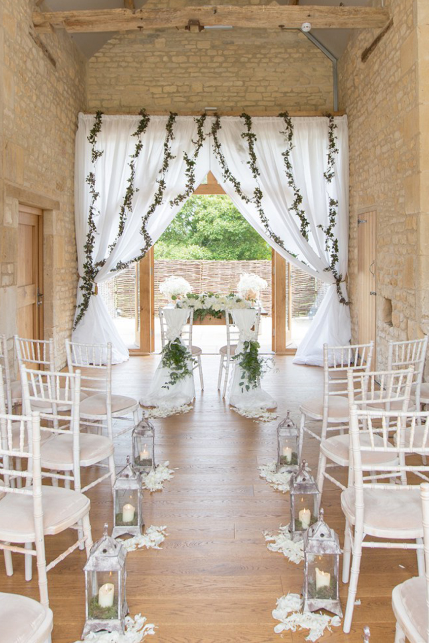 9 Contemporary Wedding Venues For An Unforgettable Day - The Barn at Upcote | CHWV