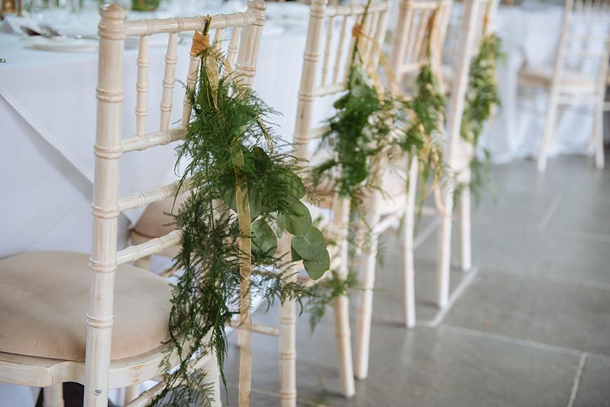 The Best Christmas Wedding Flowers for that Festive Feel - Winter berries | CHWV
