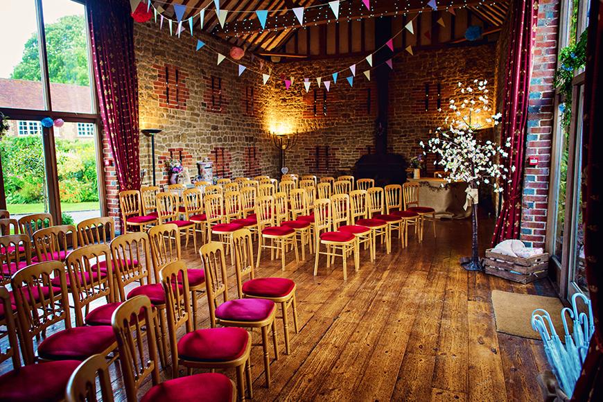 11 Barn Wedding Venues For A Rustic Wedding - Bartholomew Barn | CHWV