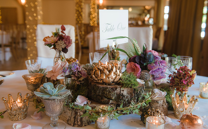 What To Look For In An Autumn Wedding Venue - Acorn apples gold log | CHWV