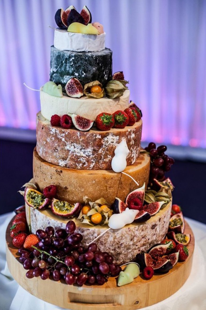 Wedding Ideas By Colour: Autumnal Wedding Cakes - Dare to be different | CHWV