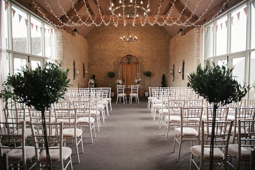 11 Barn Wedding Venues For A Rustic Wedding - Stratton Court Barn | CHWV