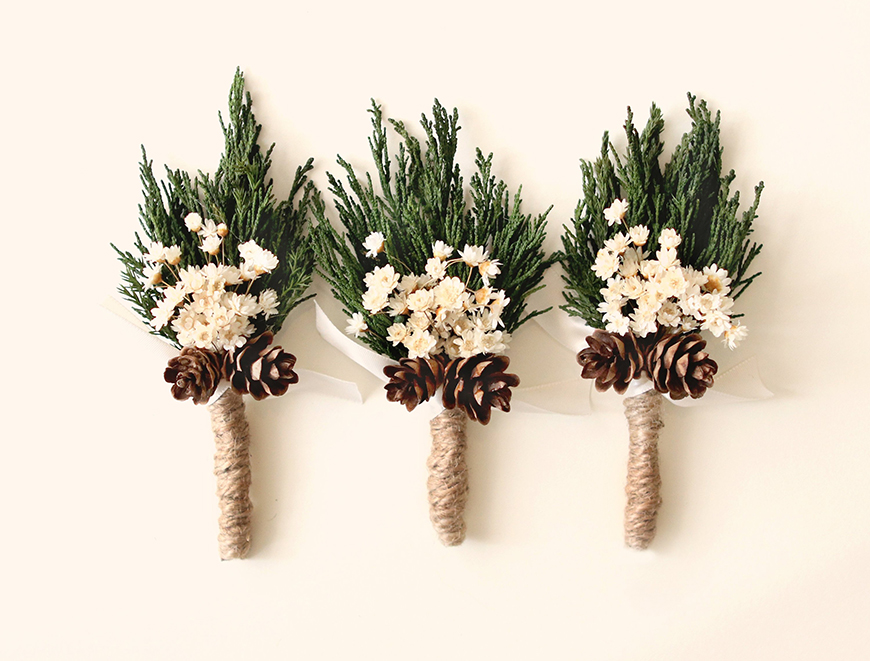 The Best Christmas Wedding Flowers for that Festive Feel - Seasonal creations | CHWV