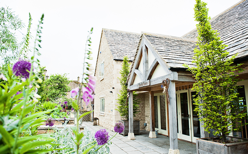 11 All-In-One Wedding Venues For The Perfect Day - Hyde Barn | CHWV