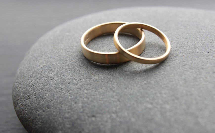 Everything You Need To Know About Buying Your Wedding Rings | CHWV