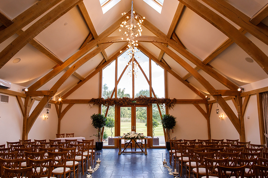 5 East Midlands Wedding Venues To Fall In Love With - Mythe Barn | CHWV